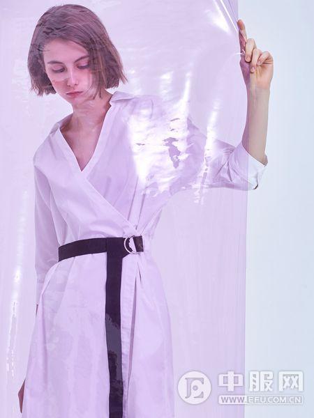 翰代维女装品牌2019秋季时尚潮流纯色睡衣