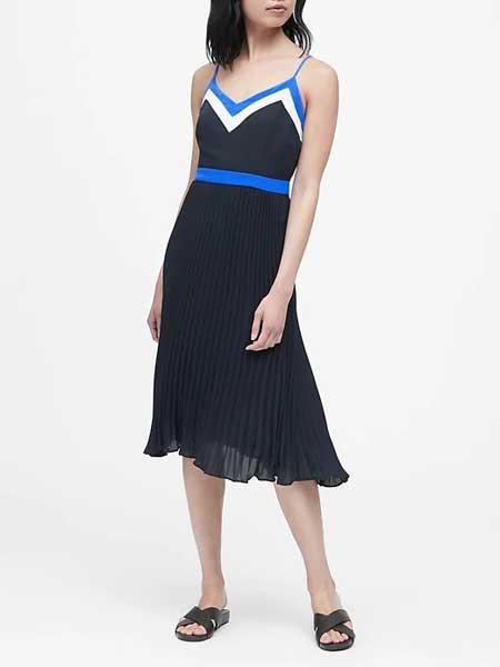 laura biagiotti女装品牌2019春夏气质拼色V领吊带针织连衣裙