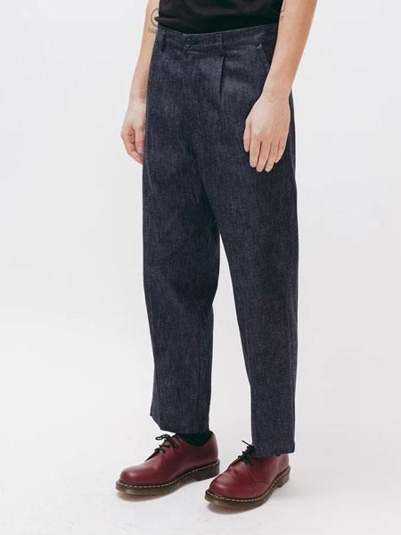 Maiden Noir国际品牌品牌2019秋冬时尚休闲黑色纯色牛仔长裤