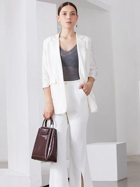 雅默YAAMOO女装品牌2019秋冬纯白色西装外套