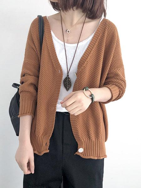 司音女装品牌2019秋冬褐色羊毛衫