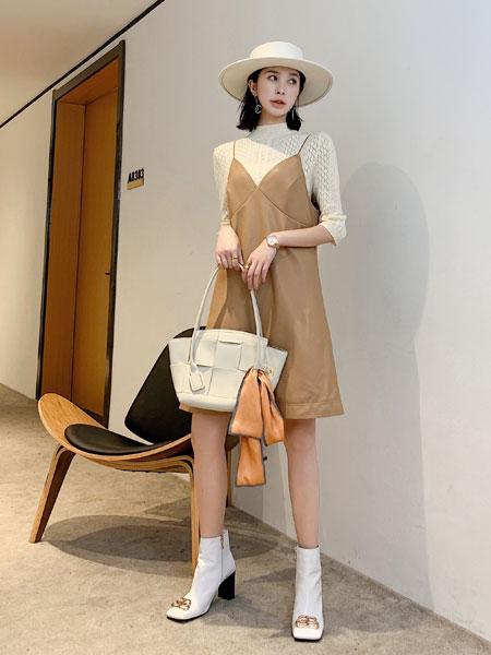 独外女装品牌2019秋冬韩版潮流裙子白色毛衣