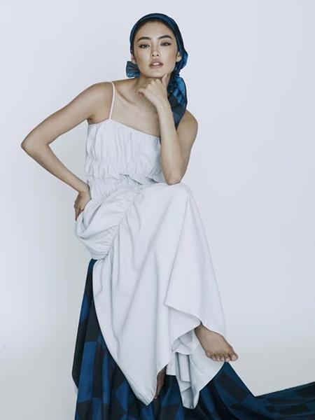 IRADA女装品牌2019春夏白色气质裙子