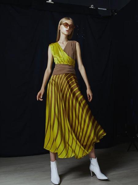IRADA女装品牌2019春夏时尚潮流裙子