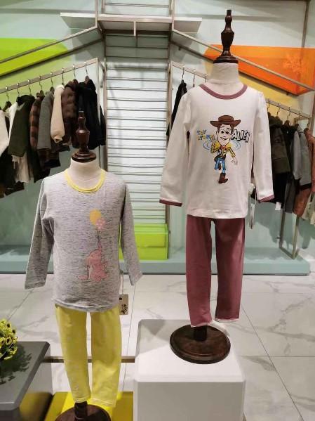 迪士尼家居服品牌店铺展示