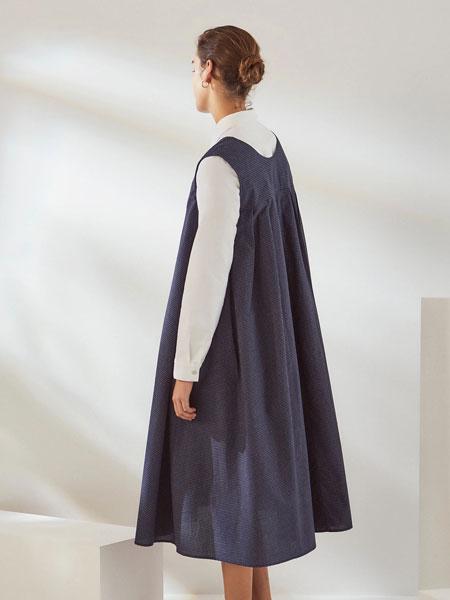 Kowtow女装品牌2019秋冬灰色裙子