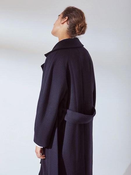 Kowtow女装品牌2019秋冬黑色大衣
