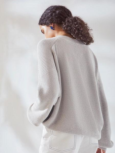 Kowtow女装品牌2019秋冬白色羊毛衫