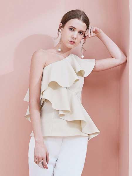 糖力潮品(TAMMYTANGS)女装品牌2019春夏荷叶边斜肩收腰无袖罩衫上衣