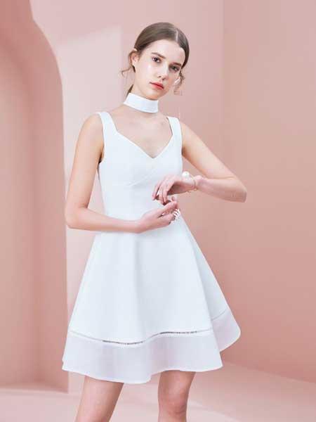 糖力潮品(TAMMYTANGS)女装品牌2019春夏拼接镂空泡泡纱裙吊带连衣裙