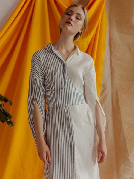 Yana Besfamilnaya女装品牌2019春夏撞色裙子