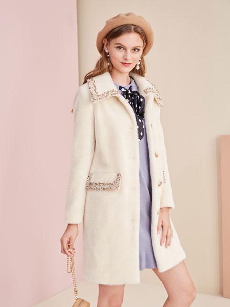 城市衣柜女装品牌2019秋冬白色大衣