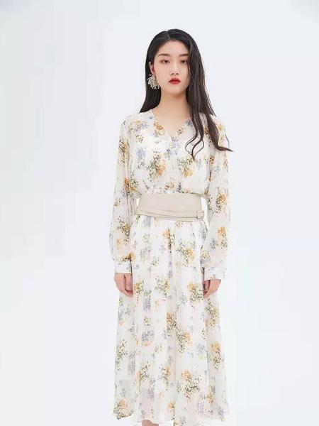 Remember女装品牌2019春夏印花连衣裙
