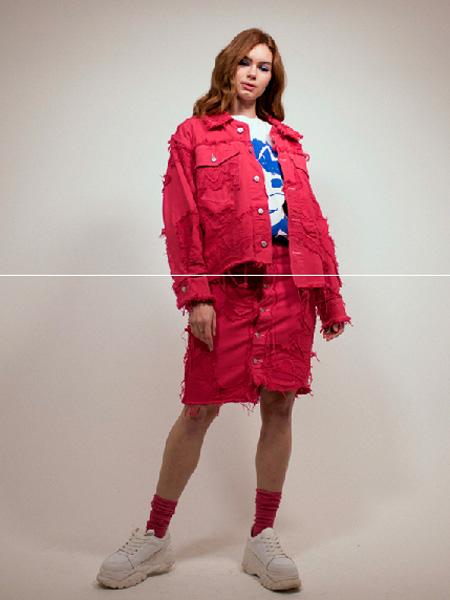 Typical Freaks女装品牌2019秋冬红色外套