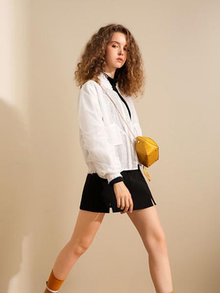 我本布衣女装品牌2019秋冬新品透视双层后背时尚印花棒球服防晒百搭轻潮外套女