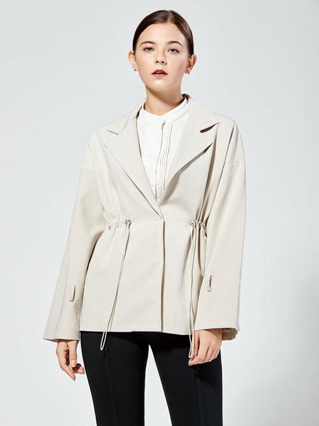 布伦圣丝女装品牌2019秋冬新款 环扣一粒扣时尚西装外套