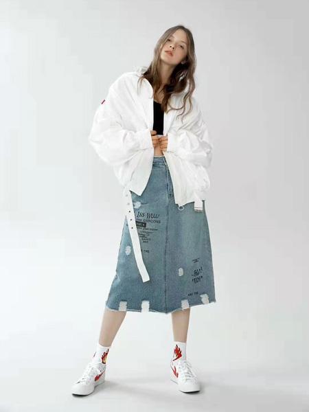 SY+女装品牌2019秋冬白色外套