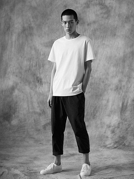 �阈g男装品牌2019春夏白色T恤