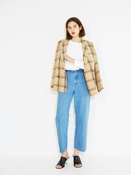 Urvin女装品牌2019春夏格子衬衫