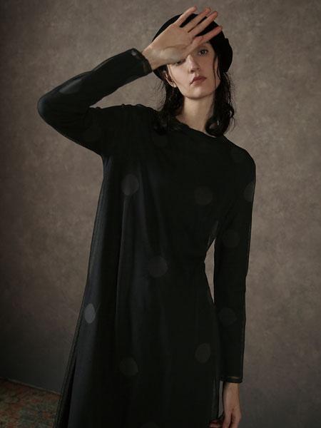 Donoratico女装品牌2019秋季黑色裙子