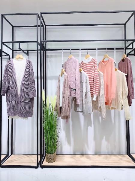 诺米丽毛衣品牌店铺展示店铺形象