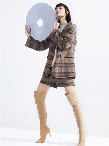 LUDICO女装品牌2019秋冬格子裙