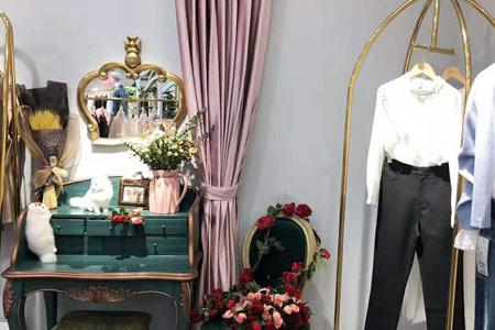 莉雅莉萨品牌店铺展示
