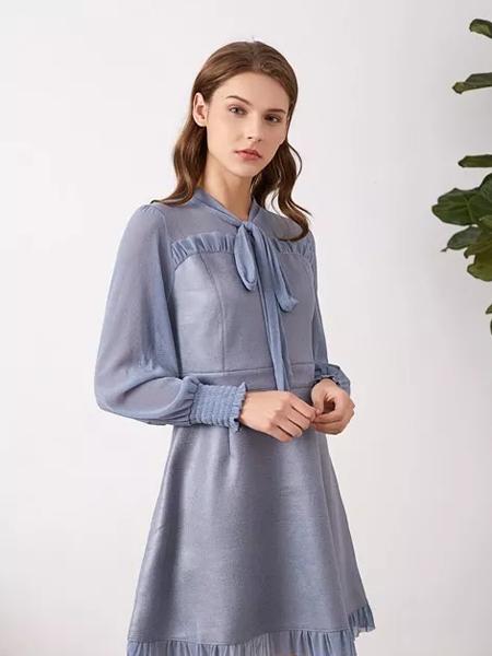 布衣由黛女装品牌2019秋冬宽松雪纺连衣裙