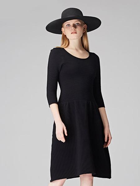 Natan女装品牌2019秋冬修身黑色打底衫