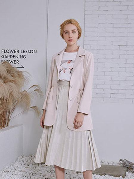 觅恋女装品牌2019秋冬韩版西服半身裙两件套