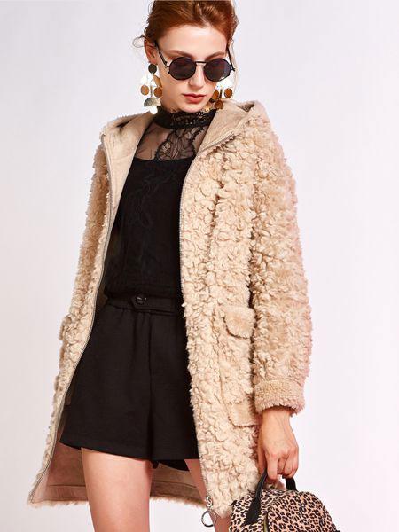 欧炫尔女装品牌2019秋冬新款时尚连帽颗粒羊毛保暖宽松中长款皮草外套