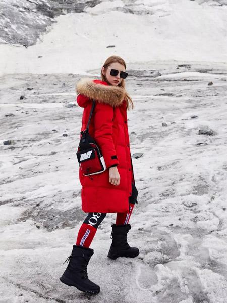 雪中飞女装品牌2019秋冬轻薄加厚羽绒服