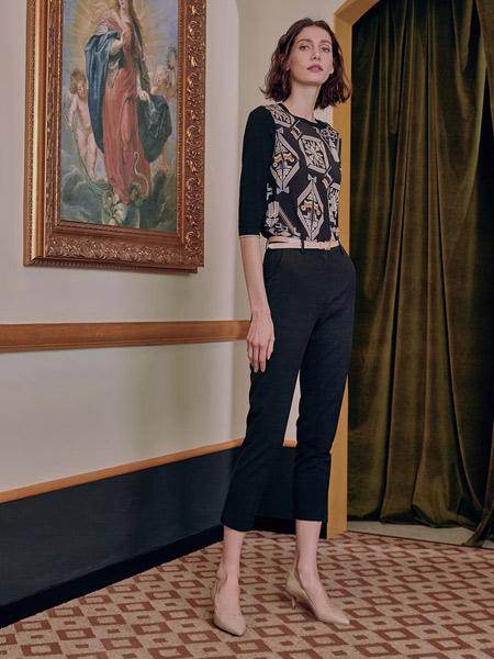 雅迪斯女装品牌2019秋冬短款修身长袖