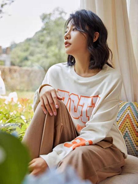 丝珂/奥克女装品牌2019秋冬圆领薄款卫衣