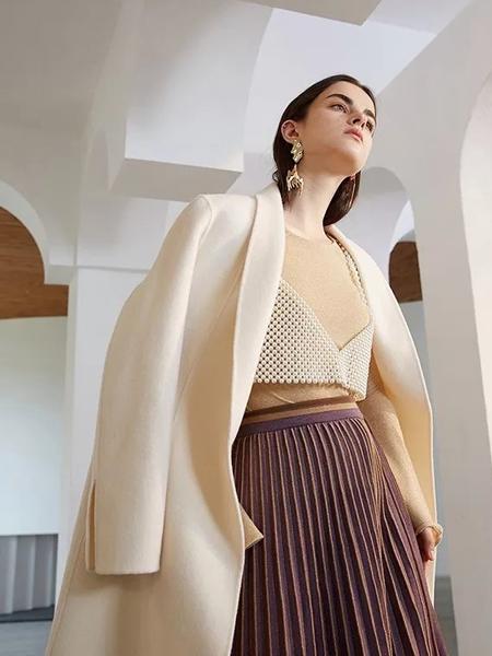 红凯贝尔女装品牌2019秋冬针织打底衫百褶半身裙三件套