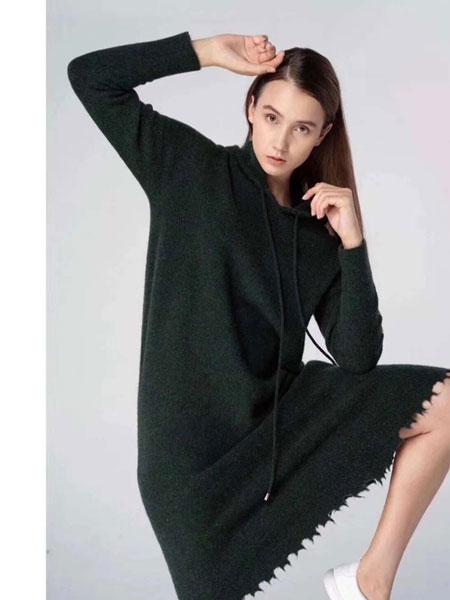 夺宝奇兵女装品牌2019秋冬针织长款连帽卫衣