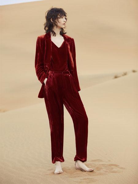 红袖女装品牌2019秋冬复古套装