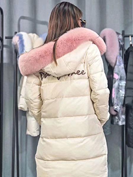 子恒国际女装品牌2019秋冬加绒保暖外套