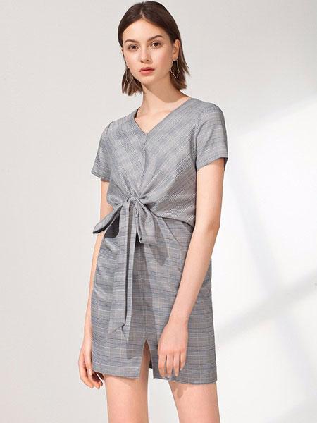 艺时尚女装品牌2019秋棉麻收腰连衣裙