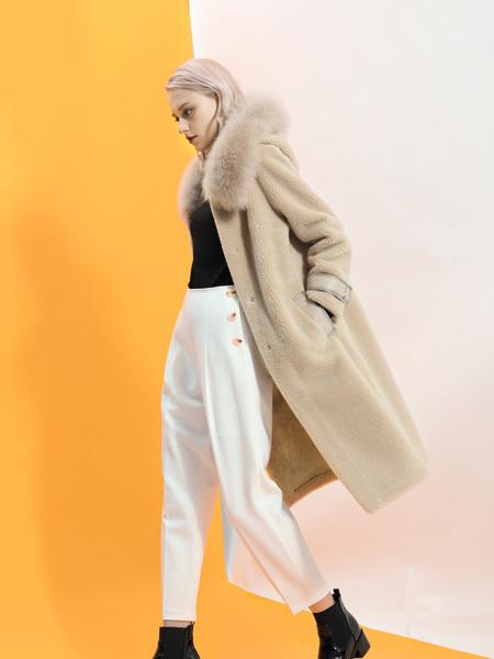 SASLAX莎斯莱思女装品牌2019秋冬收腰气质