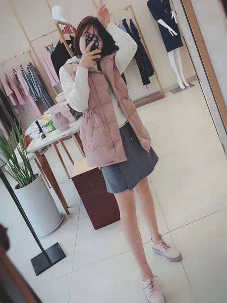 卡佩诺 - KAIPEINUO女装品牌2019秋冬羽绒服马甲外套