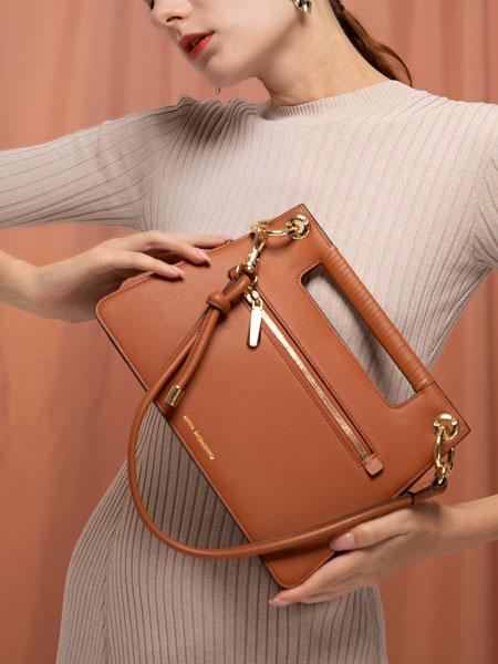 LIVIN MOMENTO(领・慕)包具品牌,打造个性化产品