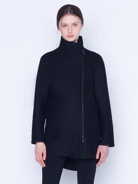 Akris Punto国际品牌品牌2019秋冬加绒保暖拉链款外套
