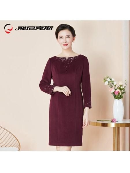 飞尼克斯女装品牌2019秋冬婚礼妈妈装品红色羊毛连衣裙修身喜婆婆婚宴装