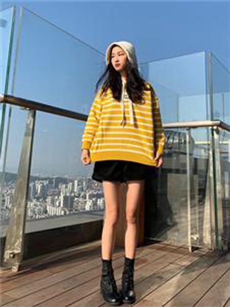 18Fans女装品牌2019秋冬条纹打底衫