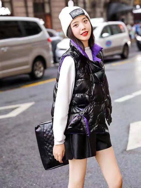 芝麻E柜女装品牌2019秋冬被芯新款羽绒服