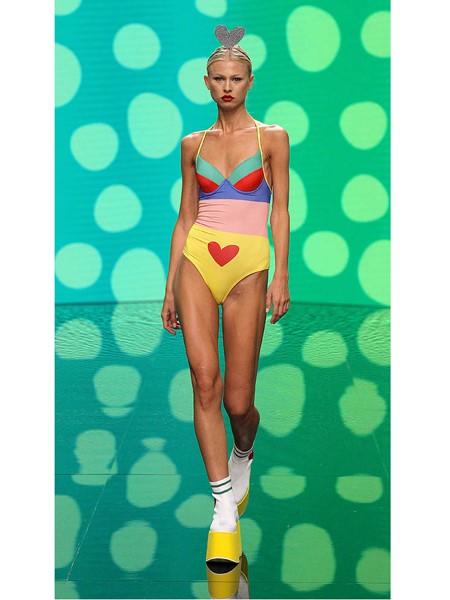 Agatha Ruiz de la Prada国际品牌品牌爱心内衣