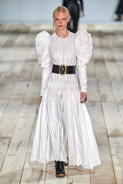 Alexander McQueen202春季高级成衣系列 惊艳全场