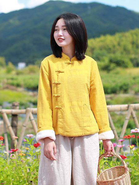 乱在江南女装品牌2019秋冬短款上衣