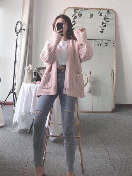 靓客女装品牌2019秋冬针织开衫